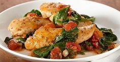 Chicken with Spinach & Tomatoes Recipe - Sauteed Chicken with Spinach and Tomatoes Very tasty! I actually used fresh chopped chicken thigh, much more Spinach and fresh Campari Tomatoes and it was delicious!Sauteed Chicken with Spinach and Tomatoes Clean Eating, Healthy Eating, Cooking Recipes, Healthy Recipes, Delicious Recipes, Skillet Chicken, Sautee Chicken, Diced Chicken, Spinach Stuffed Chicken