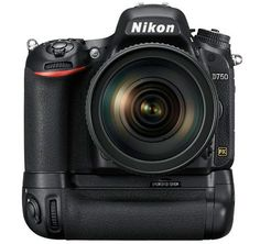 Nikon-D750-with-MB-D16-battery-grip