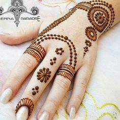What the In-Crowd Won't Tell You About Arabic Indian Henna Mehndi Design Mehndi Designs For Girls, Modern Mehndi Designs, Mehndi Design Pictures, Mehndi Designs For Fingers, Beautiful Mehndi Design, Simple Mehndi Designs, Mehndi Images, Henna Tattoo Kit, Henna Tattoo Designs