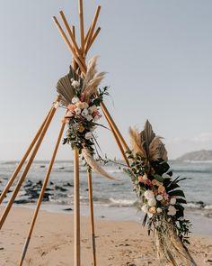 Un trabajo espectacular por nuestros amigos de @eventosartesanos 🌾 #theweddingdesignercr #costaricaweddings #weddinplannercostarica #beachweddingcostarica