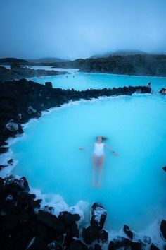 Iceland is full of beautiful places and things to do! Check out this 5 day itinerary to get inspired for your trip. Including lots of photographs and the Blue Lagoon! destinations Iceland: Adventure Under the Midnight Sun Beautiful Places To Travel, Cool Places To Visit, Places To Go, Beautiful Things, Beautiful Castles, Amazing Places, Travel Photographie, Couple Travel, Photography Beach