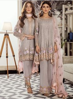 Prince Fancy Replica is the online store for all type of party wear dresses, we deal in all branded replica suits, Sana Safinaz, Khaadi , Maria B and Pakistani Fashion Party Wear, Latest Pakistani Fashion, Pakistani Dresses Casual, Pakistani Dress Design, Indian Dresses, Indian Outfits, Indian Fashion, Pakistani Designer Suits, Fashion Black
