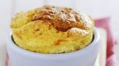 Soufflé de poulet au curry _ http://www.cuisineaz.com/dossiers/cuisine/souffles-sales-15147.aspx