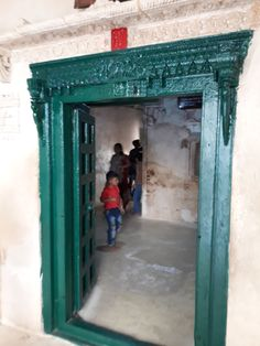 #magiaswiat #podróż #zwiedzanie # indie #blog #azja #zabytki # #swiatynie #shiva #krsna #posagi #slonie #palac #vrindavan Indie, Shiva, Blog, Home Decor, Decoration Home, Room Decor, Blogging, Home Interior Design, Lord Shiva