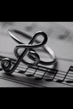 treble clef ring.  I am in Love with this ring!