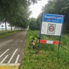 #Vanochtend (op twaalf juni) was het weer tijd voor een fietsrit met mijn #krushbikes #fiets   Om negen uur werd ik gedropt in het landelijk gelegen #Hoogezand. Vanaf daar fietste ik o.a. door #Borgercompagnie #Zuidbroek #Noordbroek #Appingedam en #Kolhol naar huis toe. Bij thuiskomst had ik ruim 75 kilometer op de teller en ik had lekker kalm aan gefietst want ik had slechts een gemiddelde van iets meer dan 30 km per uur.  Bij vertrek waren de wegen nog aan de vochtige kant maar naarmate ik dic