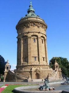 The symbol of the city is der Wasserturm, the water tower, built from 1886 to 1889. A young architect, Gustav Halmhuber, designed the 60 meter-high water reservoir, crowned by a statue of the Greek god, Amphitrite. It acts not only as a tall symbol but also as a directional sign as it can be seen throughout the city, stretching like a chess board from the Neckar River to the Mannheim Castle.