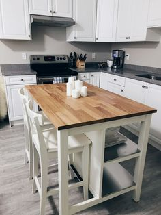 Kitchen Island With Seating Ikea, Small Kitchen Tables, Farmhouse Kitchen Island, Kitchen Island Table, Small Space Kitchen, Grey Kitchen Cabinets, Kitchen Cabinet Design, Ikea Kitchen, Kitchen Layout