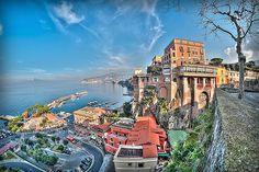SORRENTO Marina piccola aSorrento, in provincia di Napoli.