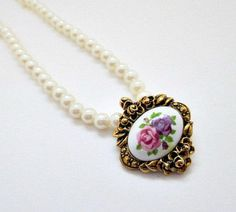 Avon 'Victorian Romance Porcelain Necklace' with removable pendant ~ 1993