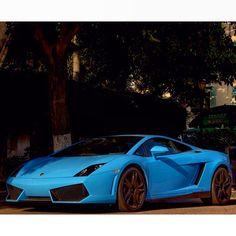 Sexy Blue Lambo Gallardo
