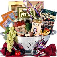 Italian Gift Basket, who doesn't love food??!! Especially spaghetti.  Awesome house warming gift