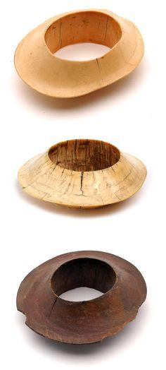 www.cewax.fr aime ces bracelets ethno tendance, style ethnique. Dans le même style, visitez la boutique de CéWax : http://cewax.alittlemarket.com/ #Africanfashion, #ethnotendance - Bracelets from the Nilotic people of the White Nile region, Sudan, 19th C