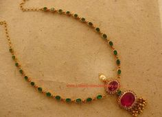 Emerald Necklaces Simple ruby emerald necklace What do you think of the colour? Antique Jewelry, Beaded Jewelry, Antique Necklace, Emerald Necklace, Emerald Rings, Ruby Rings, Gold Jewelry Simple, India Jewelry, Gold Jewellery Design