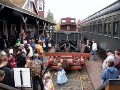 2009 Halloween Train, Railway Museum, Train Rides, Grandparents, Street View, Kids Events, Seattle, Fun, Grandmothers