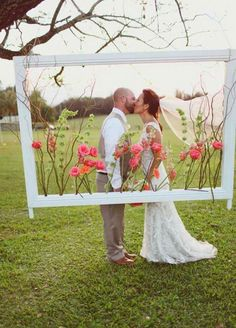 You want your wedding décor to be anything but basic. If you're planning your wedding on your own, or simply don't know where to begin with your event designer, fear not. These easy décor hacks are here to take your reception to the next level. From light bulbs to wine corks, you won't believe what …