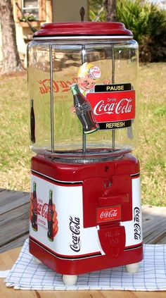 VINTAGE 1940'S VICTOR Brand *COCA COLA* Gumball Peanut and Candy vending machine..