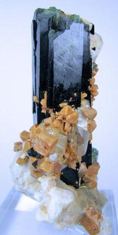 Aegirine, Zircon, Orthoclase, Quartz /   Mount Malosa, Malawi #minerals #rocks #crystal