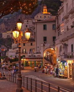 If you want to experience Europe, you need to travel to Italy. No other country on earth offers the depth, breadth, and scope of Italy. Beautiful Places To Travel, Cool Places To Visit, Beautiful World, Places To Go, City Aesthetic, Travel Aesthetic, Northern Italy, Italy Travel, Italy Map