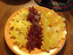 (From Holli Jo Davis FB) I took 1/2 cup of approved juice and sprinkled 2 envelopes of Knox geletin over top of it. Let it sit for about 5 min. When its geled up put it over medium low heat, I added 2 tbsp of raw honey to make it sweet . Before it starts boiling stir it and then pour into molds. I put mine in the freezer for just a bit cause the kids were so excited but I would just put it in the fridge for a couple hours.