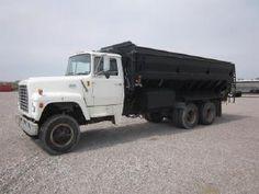 Ford L8000 Grain Truck for sale by owner on Heavy Equipment Registry  http://www.heavyequipmentregistry.com/heavy-equipment/17069.htm