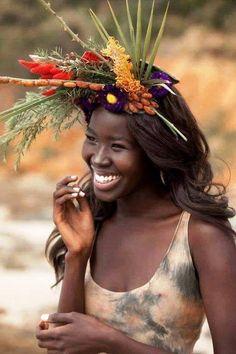 Beautiful smile… gorgeous girl in photos Beautiful Smile, Beautiful Black Women, Beautiful World, Beautiful People, Gorgeous Girl, Simply Beautiful, Just Smile, Smile Face, Girl Smile