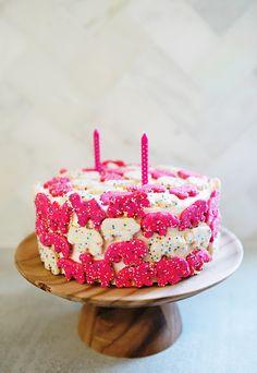 Animal Cookie Birthday Cake http://asubtlerevelry.com/animal-cookie-birthday-cake