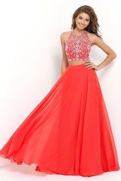 2016 Halter sexy due pezzi una linea Prom Dress con fluente chiffon in rilievo
