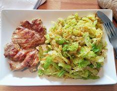 Recept na krkovičku v hořčicí s blanšírovanou kapustou, která díky přípravě si uchová maximum vitamínů a svoji přirozenou barvu zeleniny.