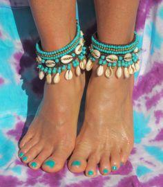 Enkelband Concha turquoise 3 Hippe enkelbanden, handgemaakt, turquoise kraaltjes en schelpjes.
