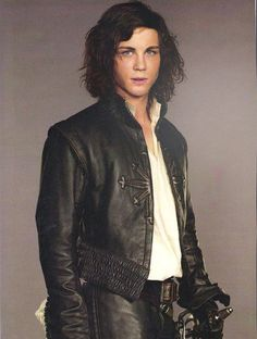 Now HERE is the sexist dream hunk actor to play D'Artagnan out of the others!!!!!