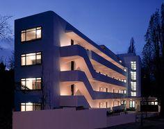 http://kilgour.com/essays/the-isokon-building-by-david-burke/