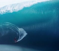 Keala Kennelly catches massive Teahupoo wave, love from Kelly Slater Read more at http://www.grindtv.com/surf/keala-kennelly-catches-massive-teahupoo-wave-love-kelly-slater/#6fOSTGjtAasMbLBH.99