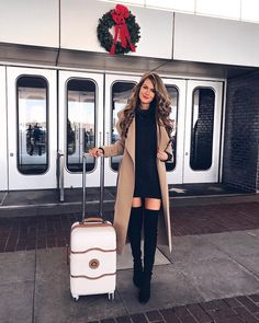 Today's airport for heading to the Big 🍎! Obsessed with this waterfall coat 😍 Outfit details her Winter Fashion Outfits, Fall Winter Outfits, Autumn Winter Fashion, Winter Ootd, Classy Outfits, Stylish Outfits, Cute Outfits, Look Retro, Look Street Style