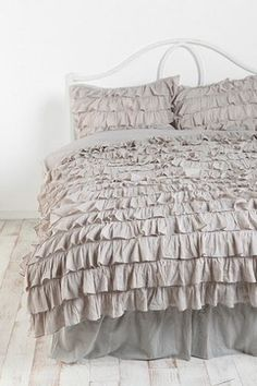 Urban Outfitters Waterfall Ruffle Duvet Cover Full Queen 2 Shams Grey Bedding   eBay