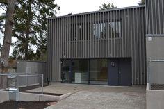 | Svensk Fastighetsförmedling, www.svenskfast.se Garage Doors, Outdoor Decor, Home Decor, Decoration Home, Room Decor, Home Interior Design, Carriage Doors, Home Decoration, Interior Design