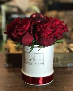 Mini Christmas Box Christmas Ball Red roses Luxury Box Secret Bloom Boxes