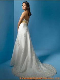 Robe de mariée bustier avec ceinture                                                                                                                                                                                 Plus