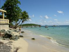 Vieques Island, Puerto Rico: pictures and guide to the best tropical beaches at Isla de Vieques
