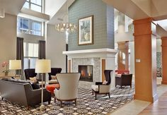 Modern Interior Design Trends Bright Coziness and Frugal Luxury Modern Living Room Paint, Living Room Green, Paint Colors For Living Room, Living Rooms, Luxury Interior, Modern Interior Design, Clubhouse Design, Senior Living Facilities, Lobby Design