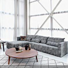 """Beistelltisch """"Gray 42"""" von GERVASONI aus Massivholz sorgt für eien natürliche Note in Ihrem Wohnzimmer. Der Beistelltisch ist aus hochwertig verarbeitetem, massivem Nussbaum, das sorgfältig unter Nachhaltigkeitskriterien ausgewählt wurde. Der zeitlose Holztisch der Designerin Paola Navone kann übrigens auch als Hocker verwendet werden, falls kurzfristig ein Sitzmöbel gebraucht wird."""