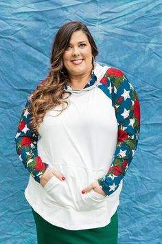 All American Summer - It's late spring here, so it's about time that the LuLaRoe Americana Collection dropped! This year, the collection is named All-American Summer. I feel this is fitting since these pieces work all summer long, not just for the major holidays. Want to know all the details and prices? Let's get down to the details!