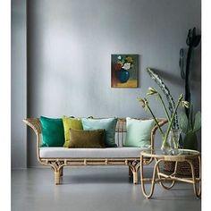Belladonna sofa by Franco Albini and Charlottenborg by Arne Jacobsen - regram @eckmannstudio @bungalow.dk #sikadesign #handmadefurniture #rattan #design #danishdesign #francoalbini @arnejacobsen