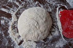 Ei taida olla parempaa tapaa aloittaa aamu kuin tuoreen leivän tuoksu. Tämä on niin helppo ja pomminvarma tapa tehdä rapeakuorista ja s...