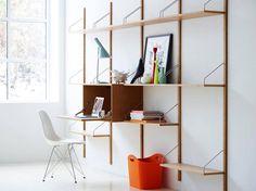 Det er over 60 år siden, at møbelfabrikant Poul Cavodius lancerede sit berømte reolsystem Royal System®.