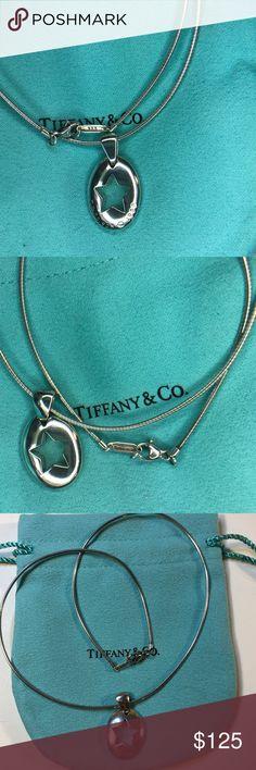 39e87e294 Star Stencil Wire Choker Oval Necklace 15.5