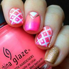 Pink white  gold glitter nailart #nailart #summer #nails #pink #gold #glitter #white