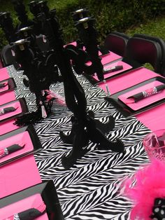 Zebra party table gor your next diva glam spa party Diva Birthday Parties, Diva Party, Pink Parties, Girl Birthday, 13th Birthday, Party Party, Birthday Ideas, Party Summer, Birthday Design
