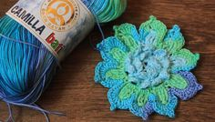 hackovany 3d maxi kvet z priadze camilla batik