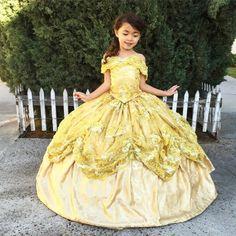 Nephi Garcia cria fantasias deslumbrantes tanto para crianças quanto para adultos